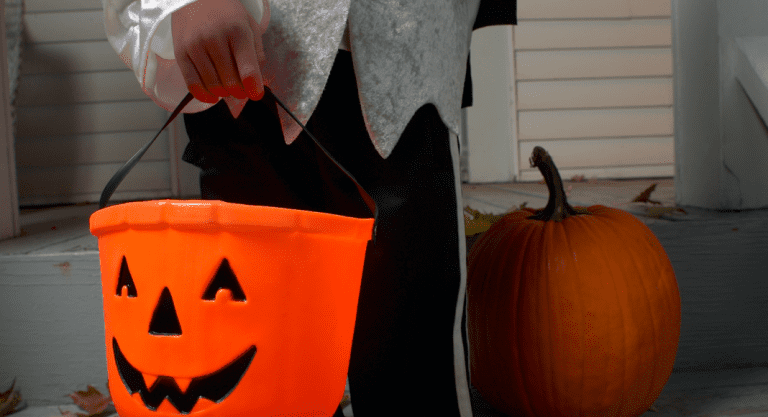 Halloween Isn't Cancelled: How to Trick-or-Treat From 6 Feet